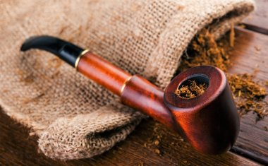 Pipe smoking addiction