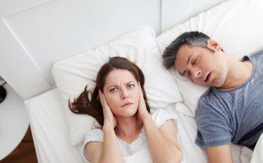 Snoring listener